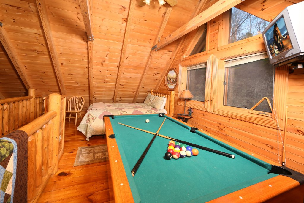 Photo of a Pigeon Forge Cabin named Smoky Cascades - This is the tenth photo in the set.