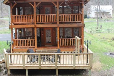 Beautiful Creekside Cabin Nestled In The Mountains Of Pigeon Forge, Tn