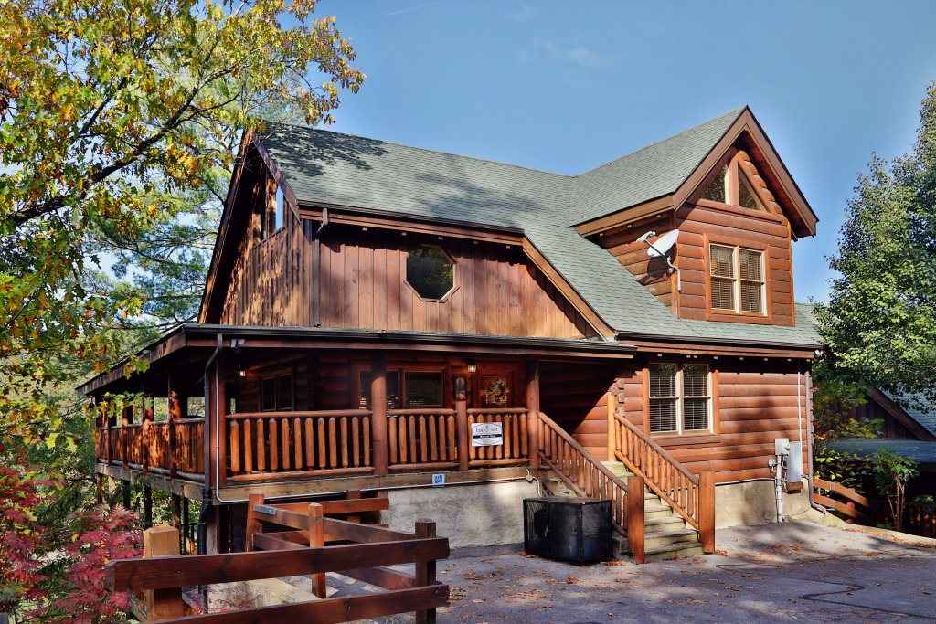Photo of a Pigeon Forge Cabin named Blessed Nest - This is the first photo in the set.