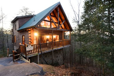 Beautiful Log Cabin Less Than 5 Miles To Gatlinburg, Pigeon Forge, The Park
