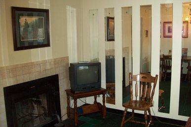 Oak Square, One Bedroom Condo In The Heart Of Gatlinburg (unit 412)