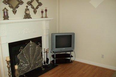 Oak Square, One Bedroom Condo In The Heart Of Gatlinburg (unit 215)