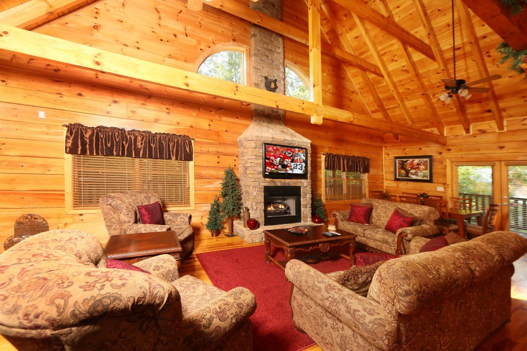 Photo of a Pigeon Forge Cabin named Off The Clock - This is the twelfth photo in the set.
