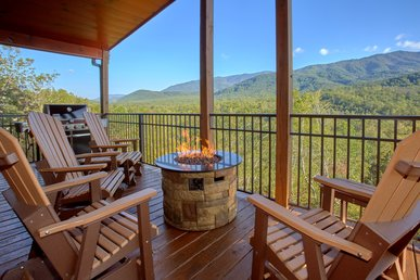 Incredible Views From A Brand New Luxury Cabin - Outdoor Living Area!