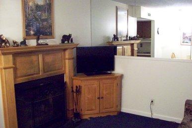 Oak Square, One Bedroom Condo In The Heart Of Gatlinburg (unit 102)