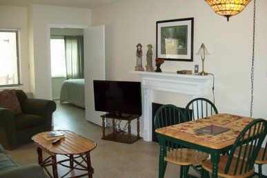Gatlinburg Chateau Two Bedroom Condo In The Downtown Gatlinburg (unit 402)