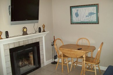 Oak Square, One Bedroom Condo In The Heart Of Gatlinburg (unit 415)