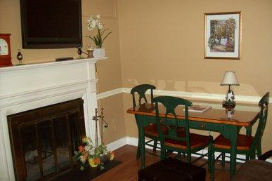 Oak Square, One Bedroom Condo In The Heart Of Gatlinburg (unit 413)