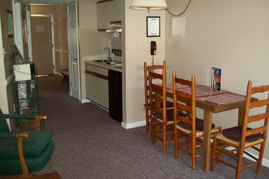 One Bedroom Condo In Downtown Gatlinburg (unit 204)