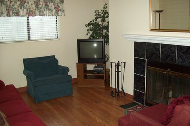 Oak Square, One Bedroom Condo In The Heart Of Gatlinburg (unit 109)