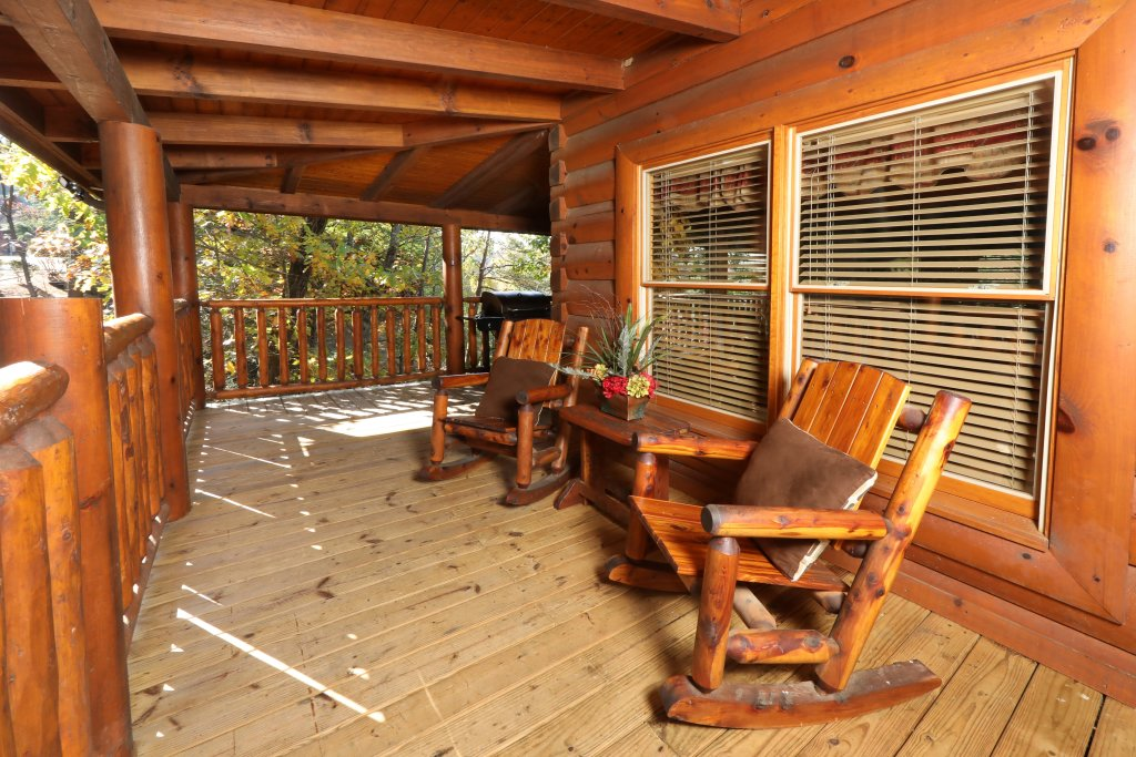 Photo of a Pigeon Forge Cabin named Blessed Nest - This is the ninth photo in the set.