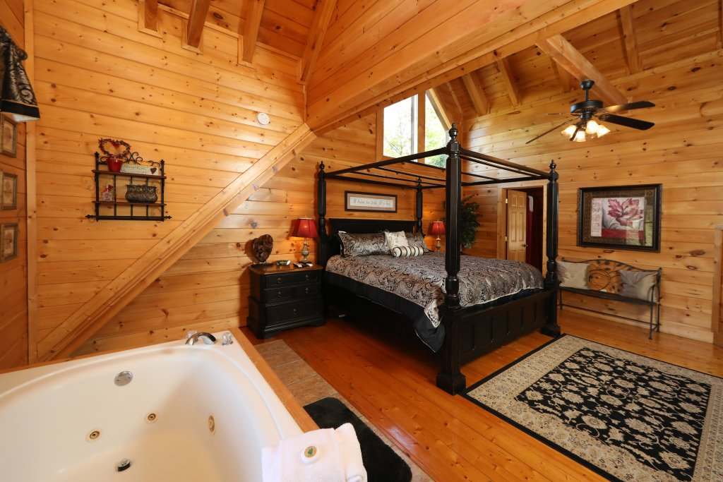 Photo of a Pigeon Forge Cabin named Blessed Nest - This is the twenty-fifth photo in the set.