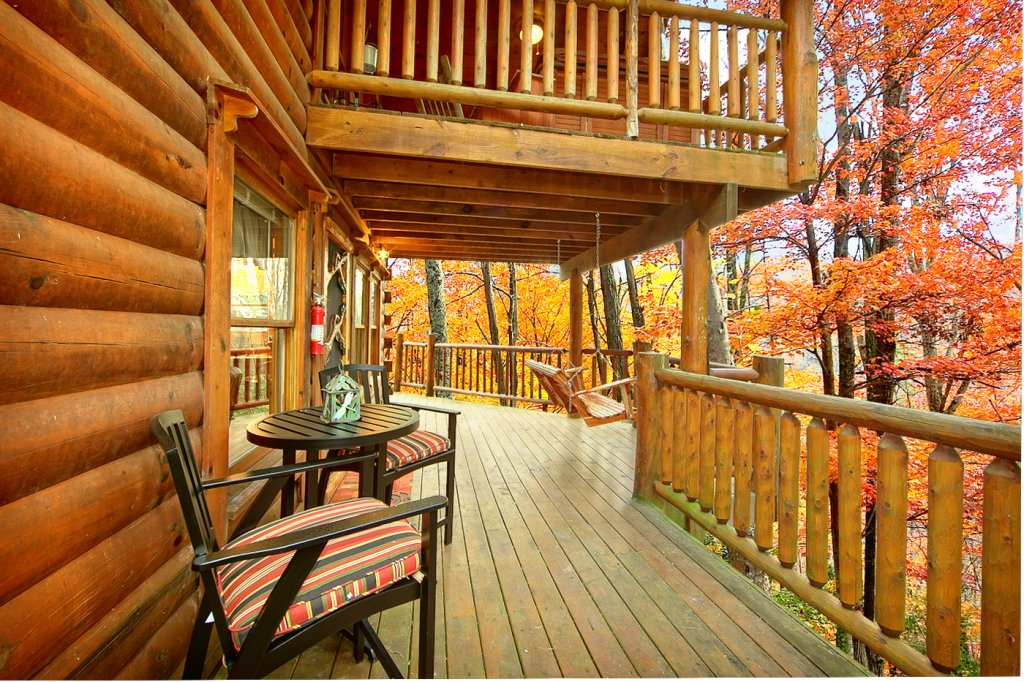 Photo of a Pigeon Forge Cabin named Creekside Hideaway - This is the fifth photo in the set.