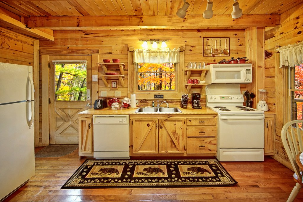 Photo of a Pigeon Forge Cabin named Creekside Hideaway - This is the ninth photo in the set.