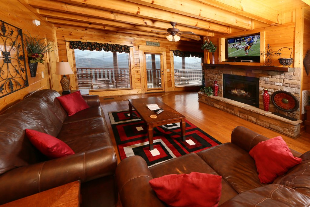 Photo of a Pigeon Forge Cabin named Wavyleaf Retreat - This is the tenth photo in the set.