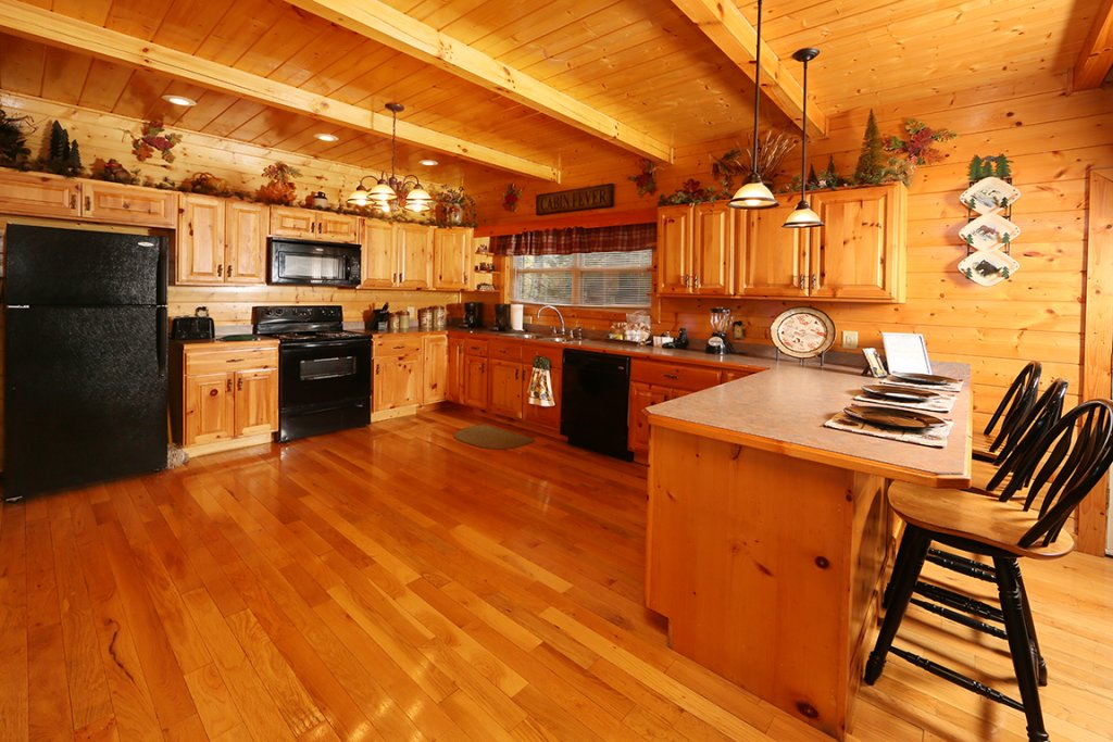 Photo of a Pigeon Forge Cabin named Mountain Shadow Lodge - This is the fourteenth photo in the set.