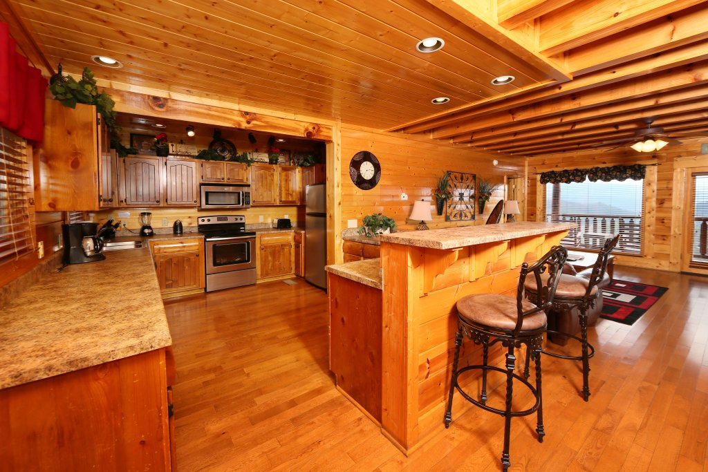 Photo of a Pigeon Forge Cabin named Wavyleaf Retreat - This is the twenty-seventh photo in the set.