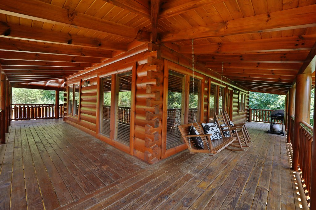 Photo of a Pigeon Forge Cabin named Playhouse Cinema - This is the fourth photo in the set.
