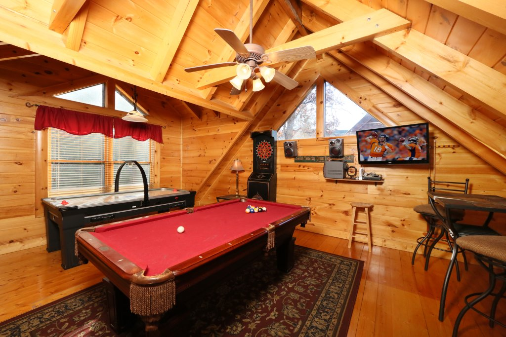 Photo of a Pigeon Forge Cabin named Sweet Surrender - This is the seventeenth photo in the set.
