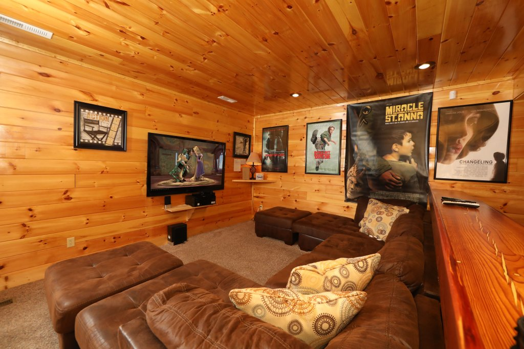 Photo of a Pigeon Forge Cabin named Playhouse Cinema - This is the thirty-fourth photo in the set.