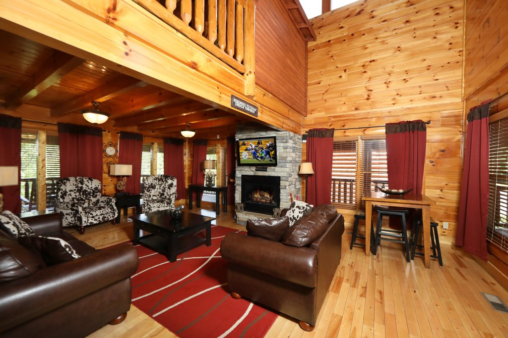 Photo of a Pigeon Forge Cabin named Playhouse Cinema - This is the tenth photo in the set.