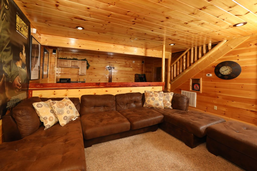 Photo of a Pigeon Forge Cabin named Playhouse Cinema - This is the thirty-fifth photo in the set.
