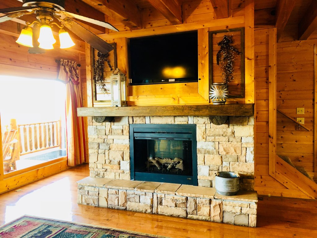 Photo of a Sevierville Cabin named Award Winning Views - This is the twelfth photo in the set.