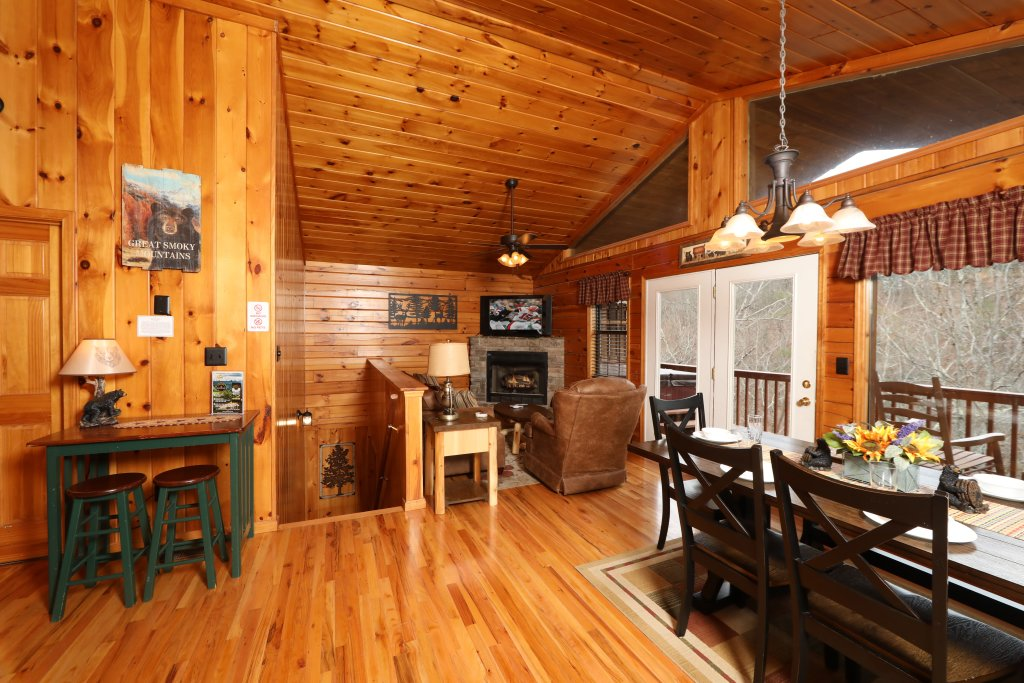 Photo of a Pigeon Forge Cabin named Just Hanging Out - This is the thirty-second photo in the set.