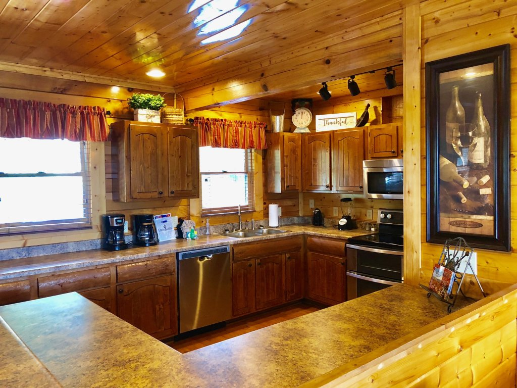 Photo of a Sevierville Cabin named Award Winning Views - This is the forty-first photo in the set.