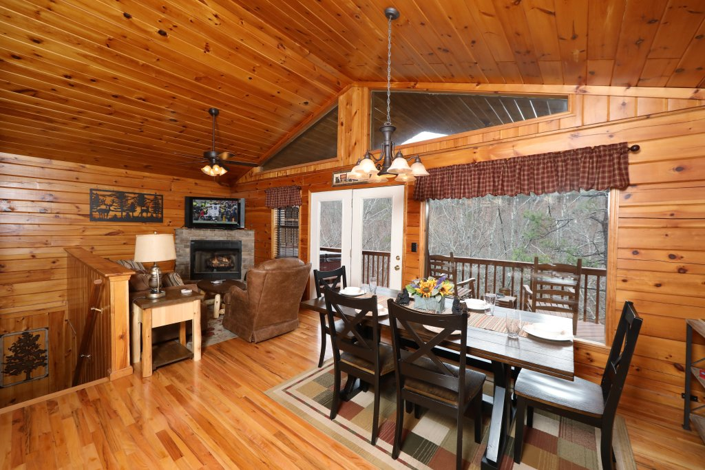 Photo of a Pigeon Forge Cabin named Just Hanging Out - This is the thirty-third photo in the set.