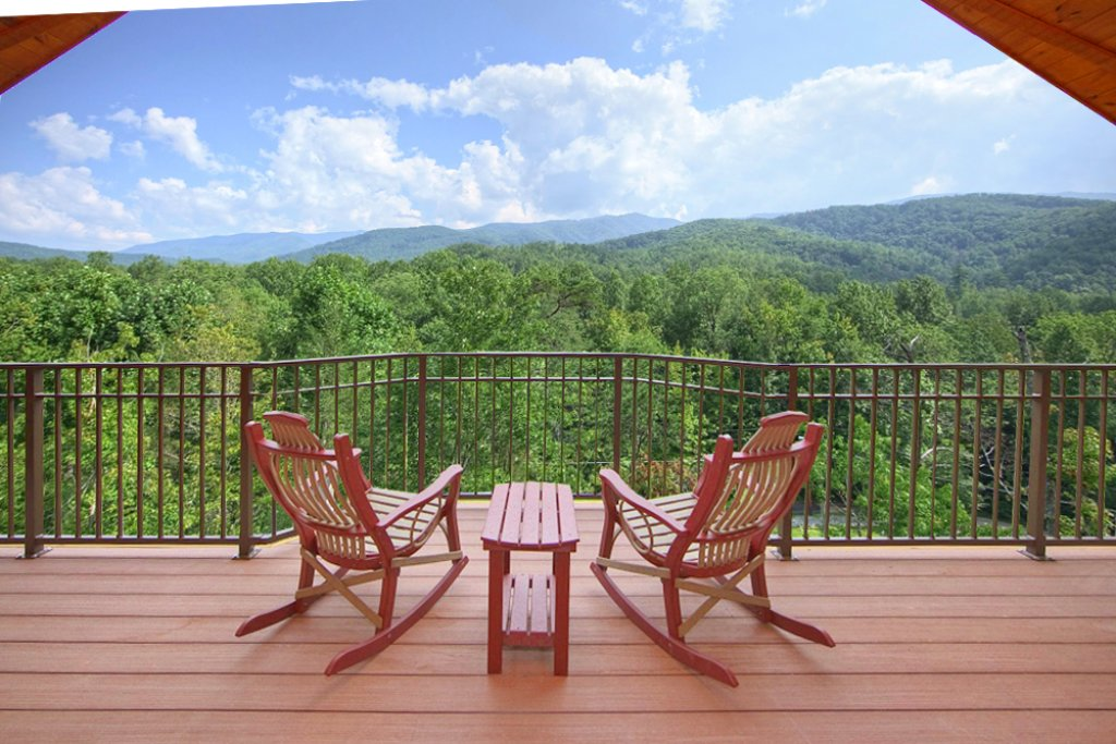 Photo of a Gatlinburg Cabin named Picture Perfect - This is the second photo in the set.