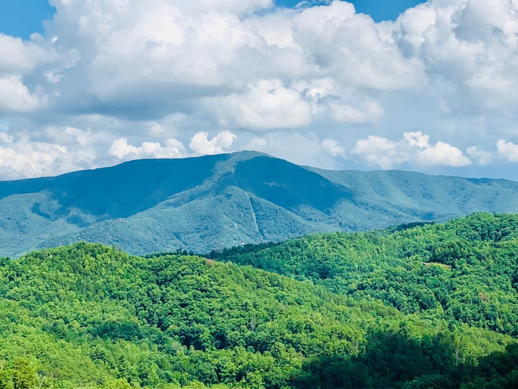 Photo of a Sevierville Cabin named Award Winning Views - This is the fifth photo in the set.