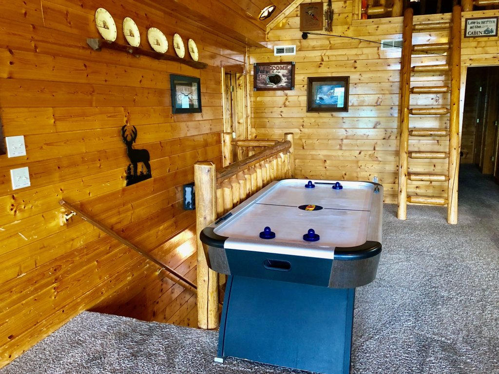 Photo of a Sevierville Cabin named Award Winning Views - This is the thirty-second photo in the set.
