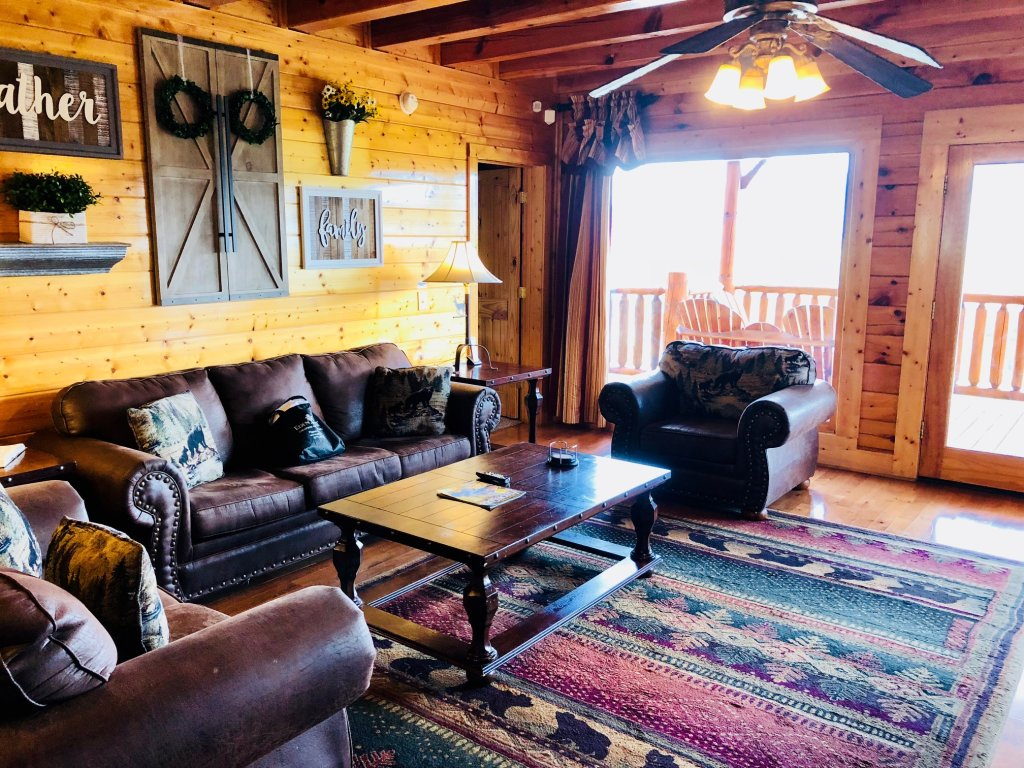Photo of a Sevierville Cabin named Award Winning Views - This is the eighth photo in the set.