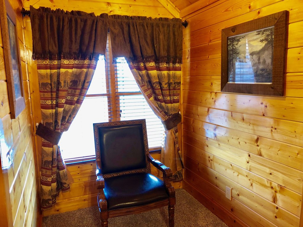 Photo of a Sevierville Cabin named Award Winning Views - This is the twenty-seventh photo in the set.