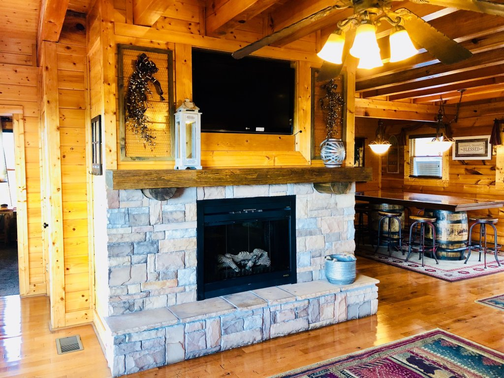 Photo of a Sevierville Cabin named Award Winning Views - This is the eleventh photo in the set.