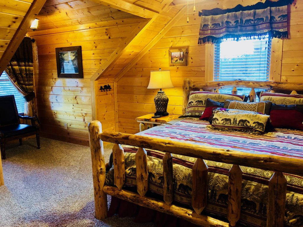 Photo of a Sevierville Cabin named Award Winning Views - This is the twenty-fifth photo in the set.