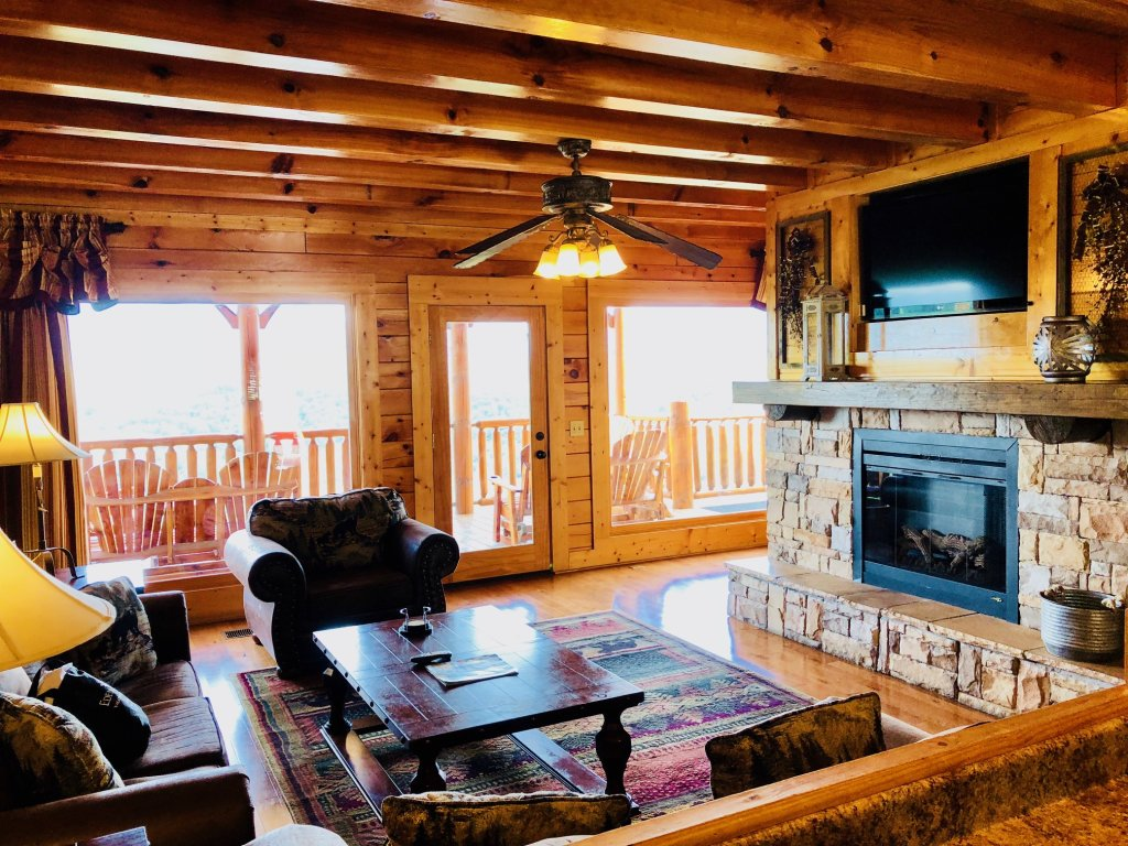 Photo of a Sevierville Cabin named Award Winning Views - This is the ninth photo in the set.