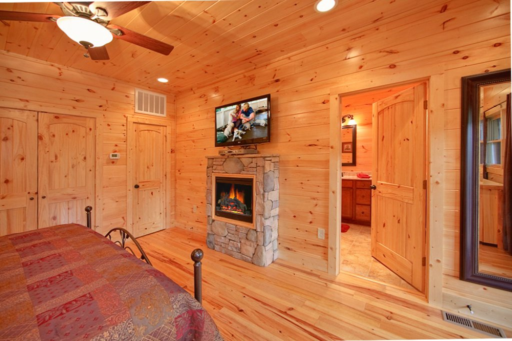 Photo of a Gatlinburg Cabin named Picture Perfect - This is the tenth photo in the set.