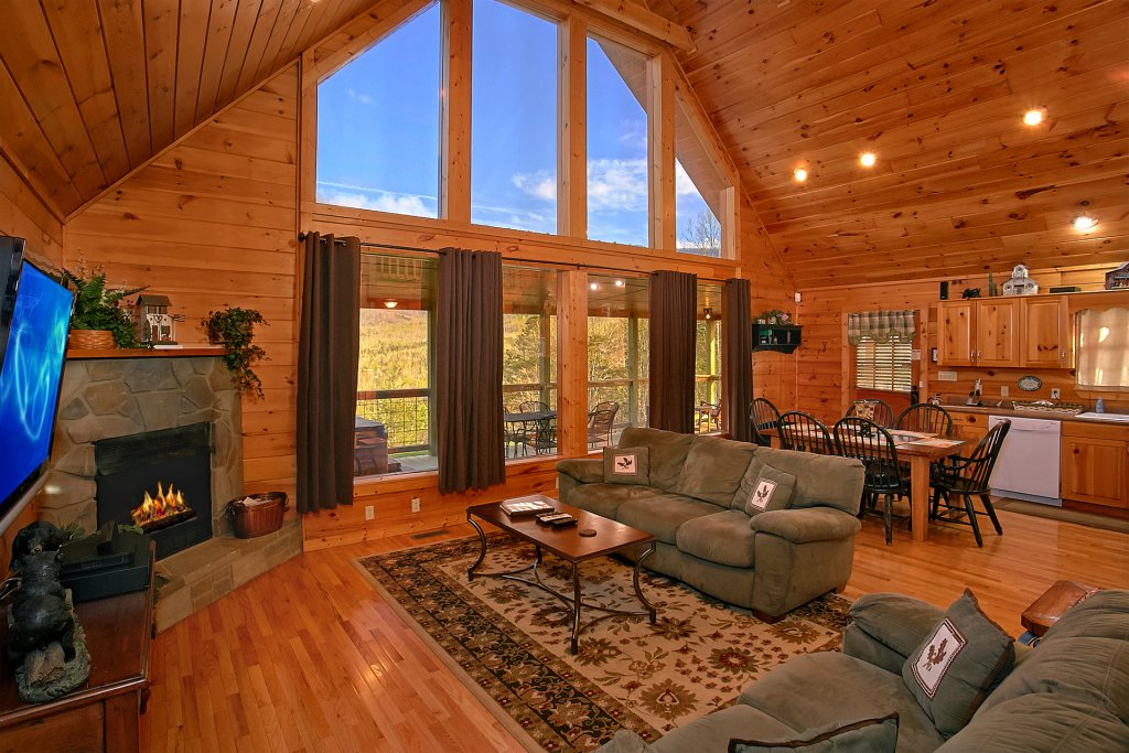 Photo of a Gatlinburg Cabin named Bearfoot Memories - This is the eleventh photo in the set.