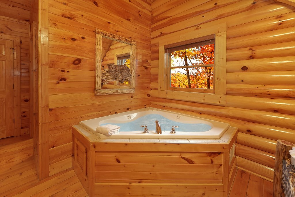 Photo of a Gatlinburg Cabin named Cupids Arrow - This is the thirteenth photo in the set.