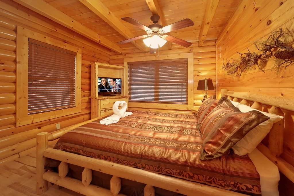 Photo of a Gatlinburg Cabin named Cupids Arrow - This is the fourteenth photo in the set.