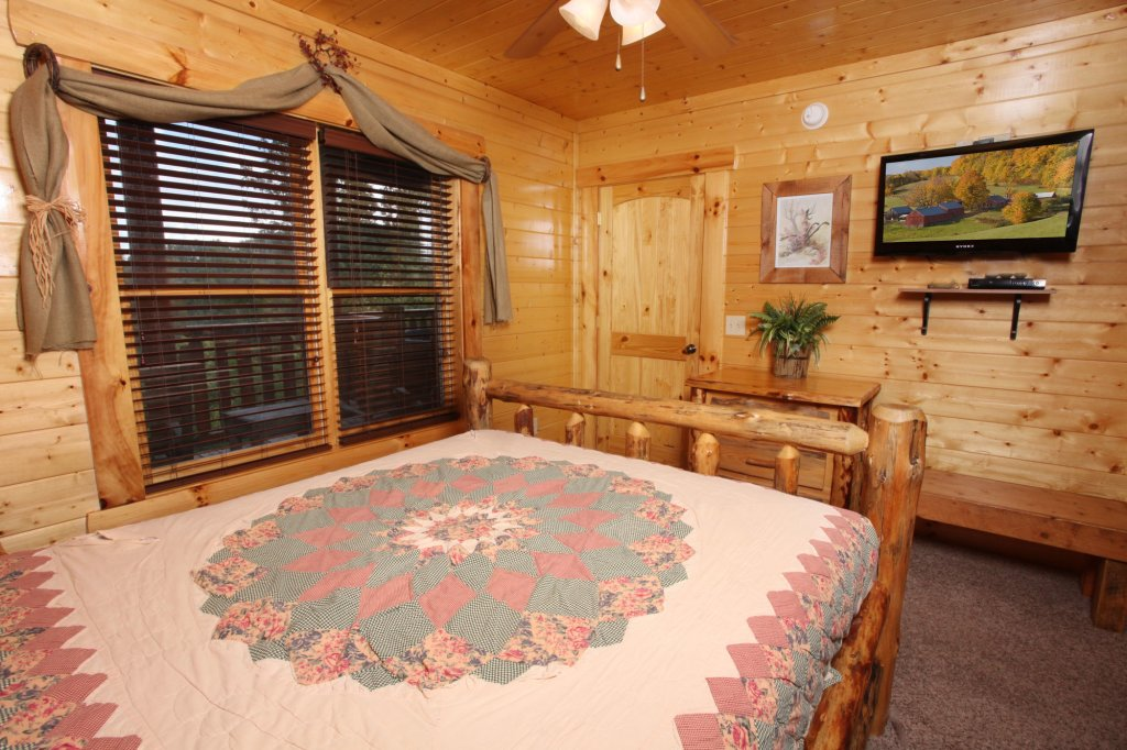 Photo of a Sevierville Cabin named Estate Of Relaxation - This is the twentieth photo in the set.