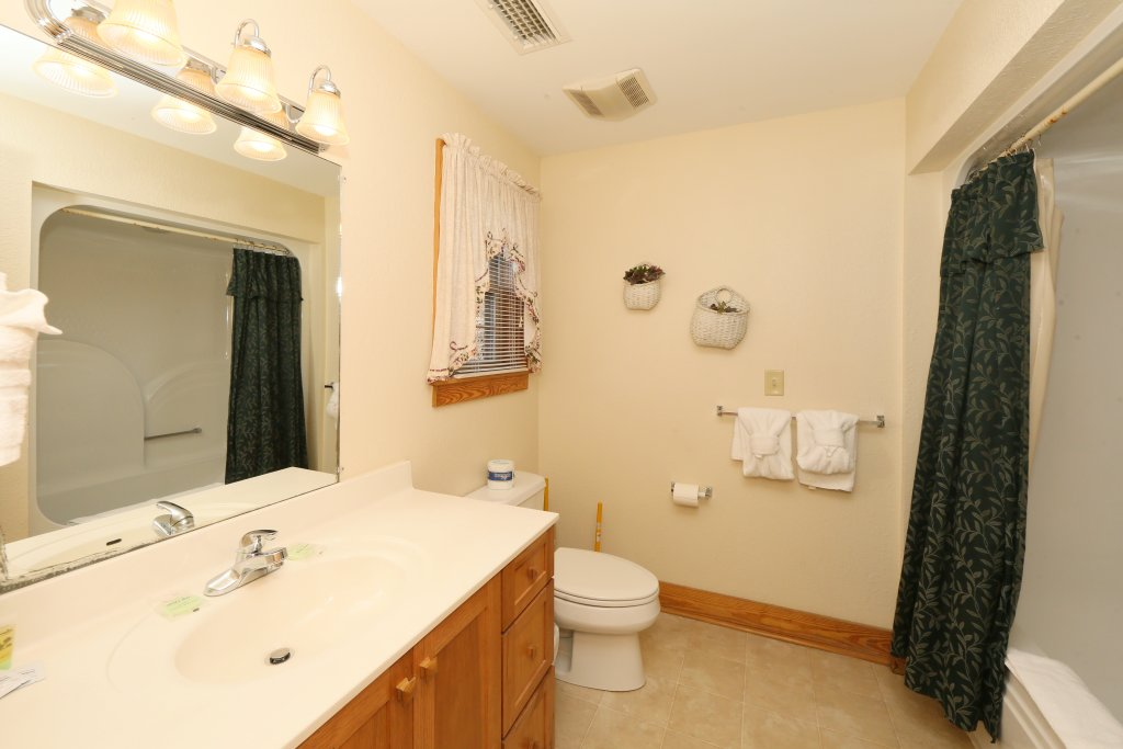 Photo of a Pigeon Forge Condo named Poplar Point Condo Unit 12d - This is the eighth photo in the set.