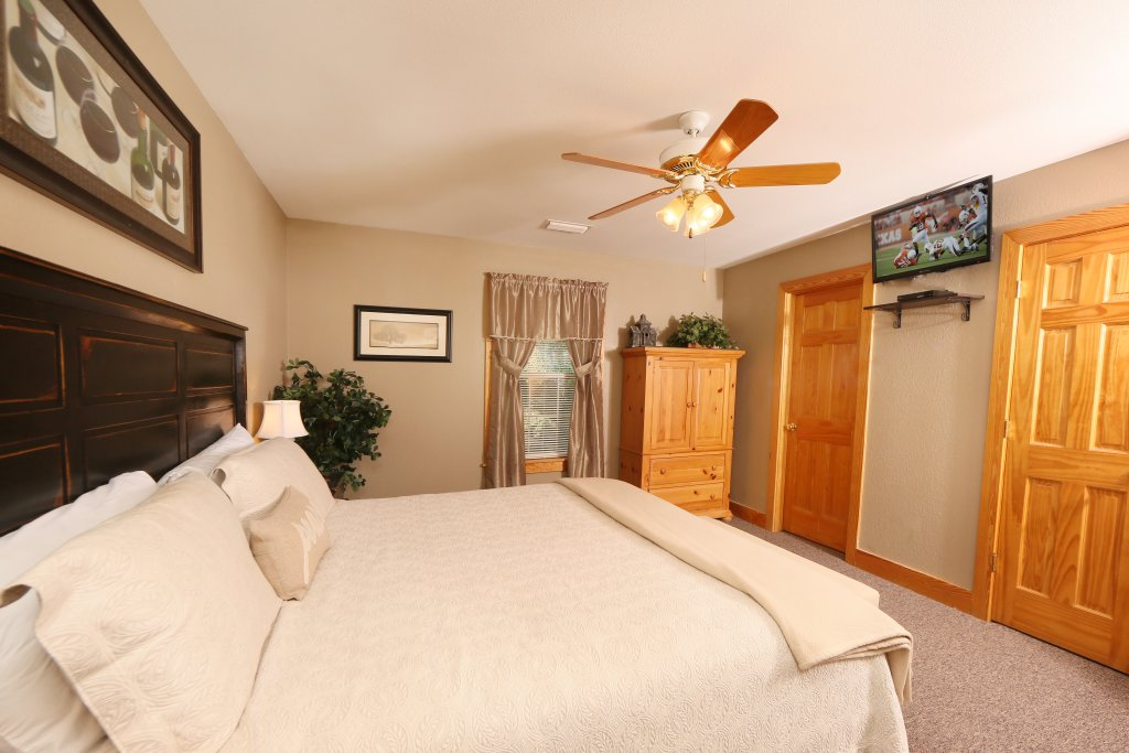 Photo of a Pigeon Forge Cabin named Pinnacle View 7a - This is the eighteenth photo in the set.