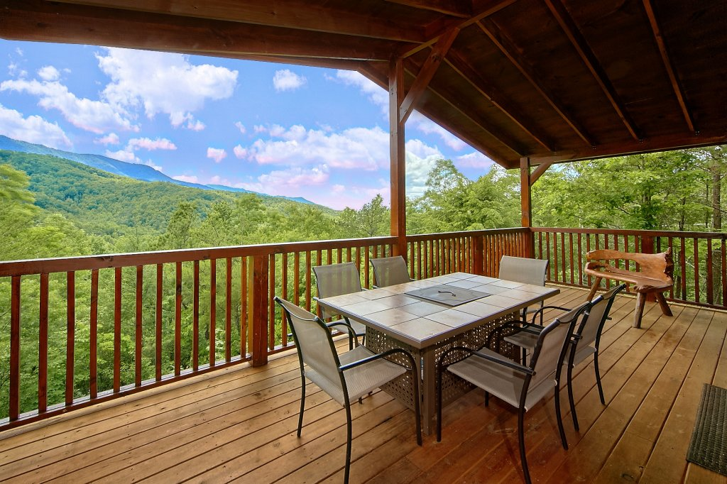 Photo of a Gatlinburg Cabin named Take My Breath Away - This is the sixth photo in the set.