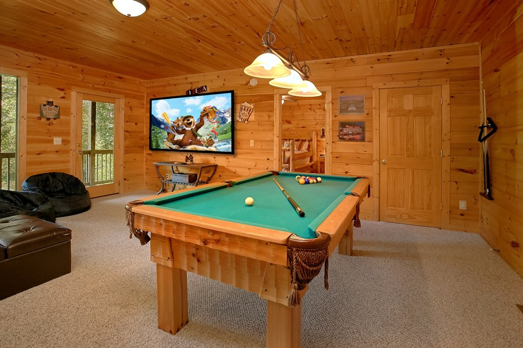 Photo of a Gatlinburg Cabin named Romance Inn - This is the twenty-ninth photo in the set.