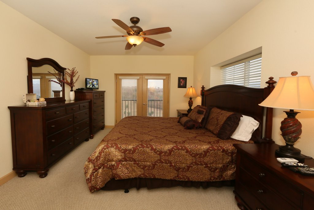 Photo of a Pigeon Forge Condo named Mountain View Condo 3507 - This is the eighteenth photo in the set.