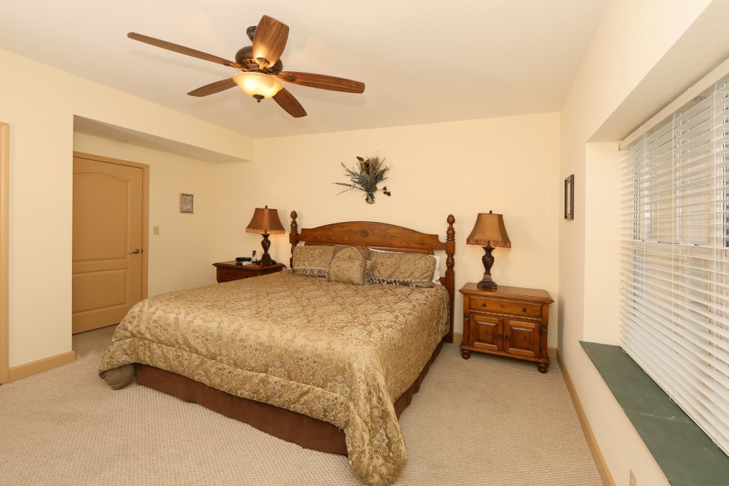 Photo of a Pigeon Forge Condo named Mountain View Condo 3507 - This is the fourteenth photo in the set.