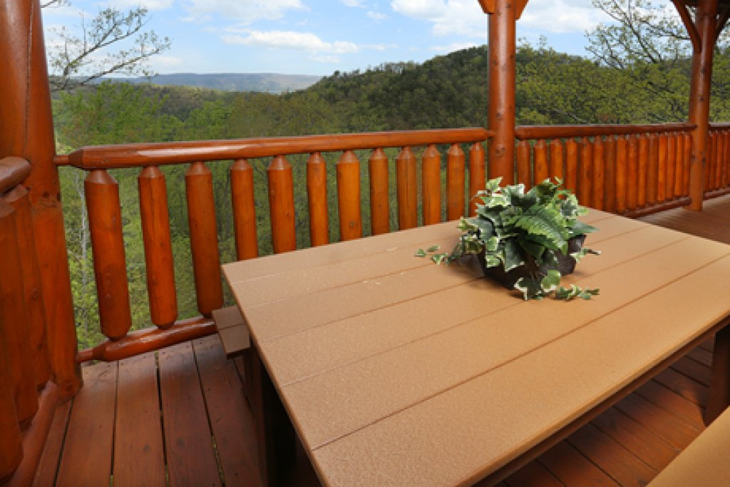 Photo of a Sevierville Cabin named Mountain Dreams - This is the third photo in the set.